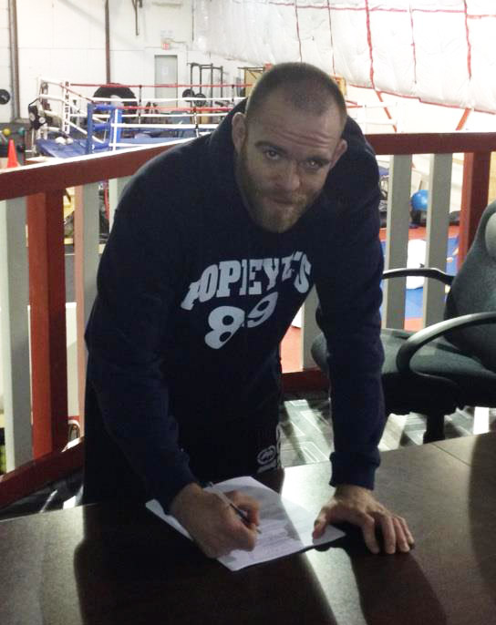 Nova Scotia's T.J. Grant signs new four-fight deal with the UFC