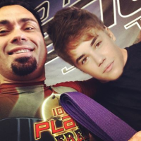 Quick Pic: Justin Bieber awarded his Purple Belt in BJJ from Eddie Bravo lol