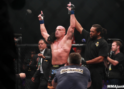 Tito Ortiz will fight ex-WWE superstar Alberto Del Rio at 210-pound catchweight