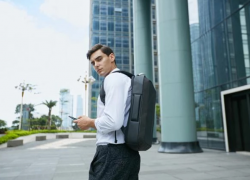 Modern Anti Theft backpack made by Nayo Smart is taking the world by storm!