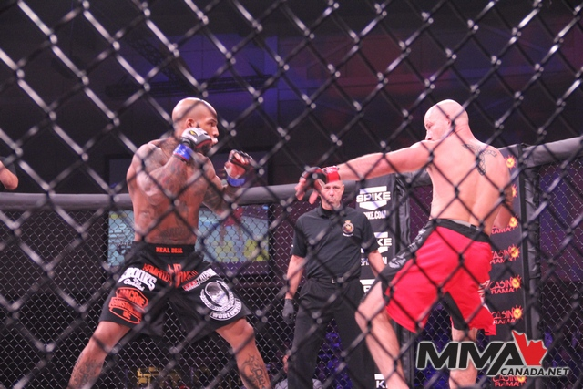 Bellator 79 fight photos